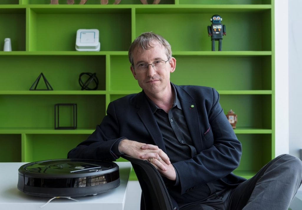 Roomba Maker Plans to Sell Digital Maps to Amazon